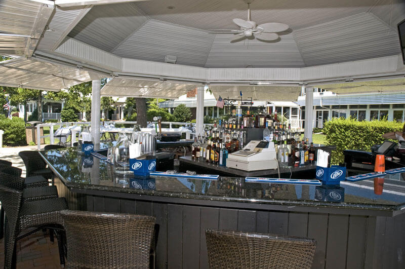 The Snapper Inn - Waterside Dining on the Banks of the Connetquot ...